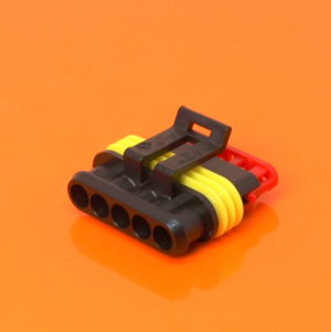 AMP Superseal 1.5 Series 5 Way Male Housing 282089-1