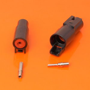 DTHD Connector Housings & Terminals